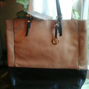 AUDREY  BROOKS  LEATHER  TOTE  BAG